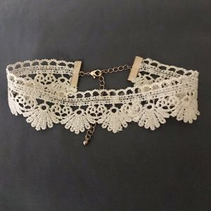 💋 Forever 21 Gorgeous Lace Choker 💋